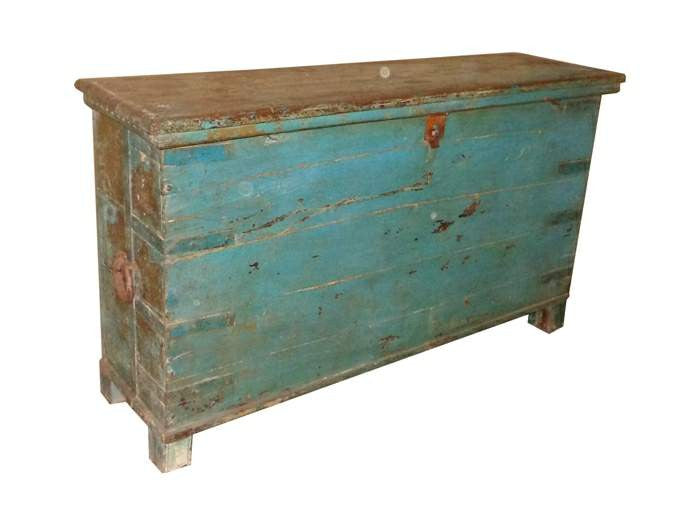 Old Indian Chest//Ancien coffre indien