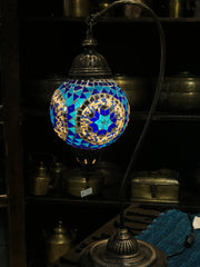 [[Mosaic glass table lamp /// Lampe de table en verre mosaïque]]