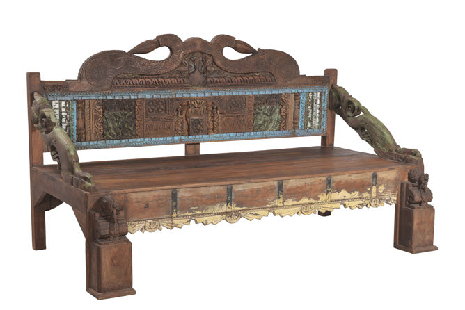 [[Vintage sofa bench with old carvings/// Banc-Sofa vintage avec de vieilles sculptures]]