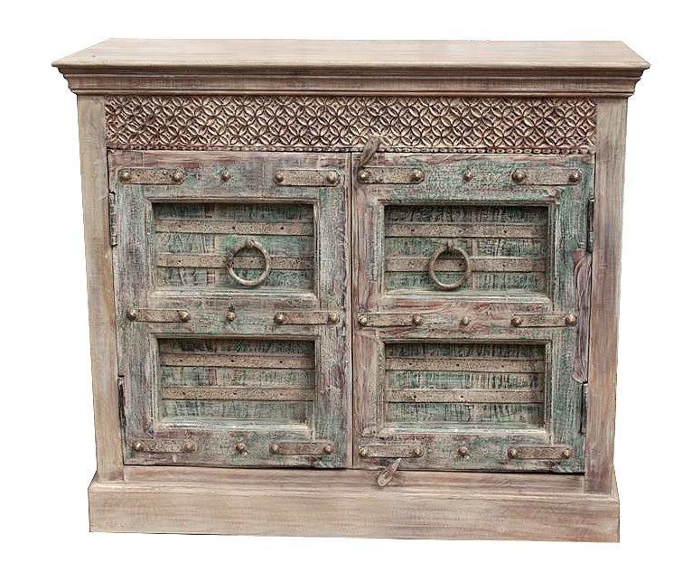 [[Pastel green cabinet with old doors///Cabinet vert pastal avec vieilles portes]]