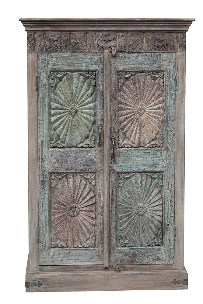 [[Pastel turquoise cabinet with old doors///Armoire turquoise pastel avec portes anciennes]]