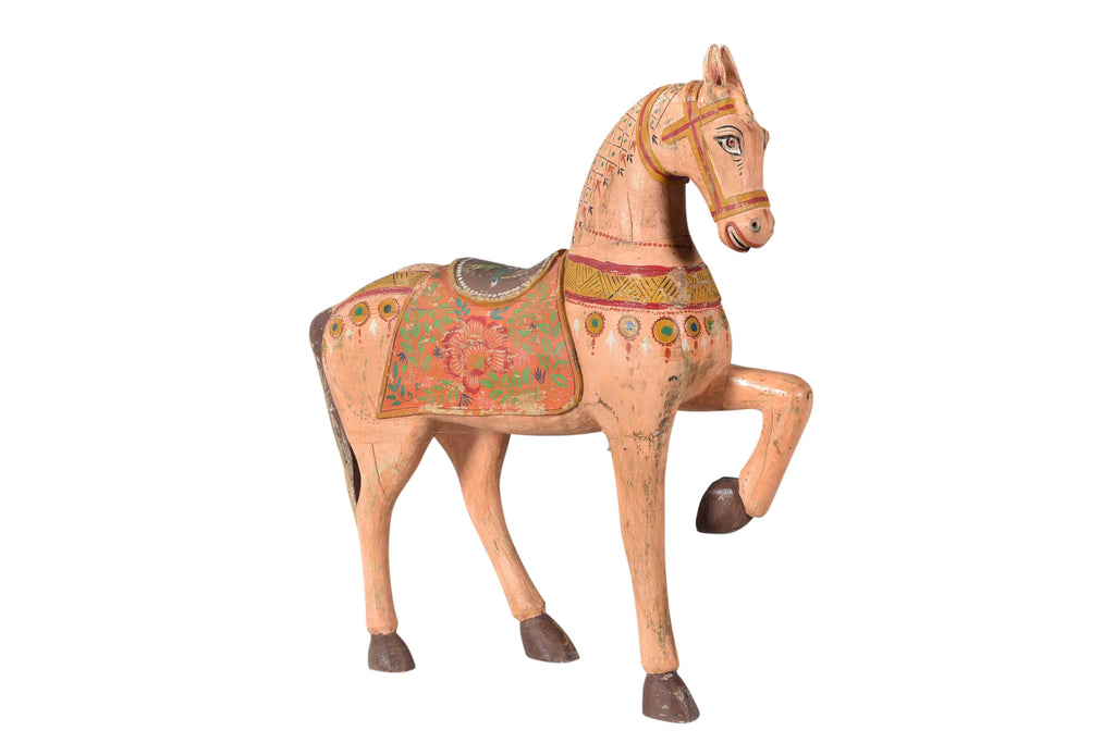 Colorful wooden horse sculpture//Sculpture de cheval en bois coloré