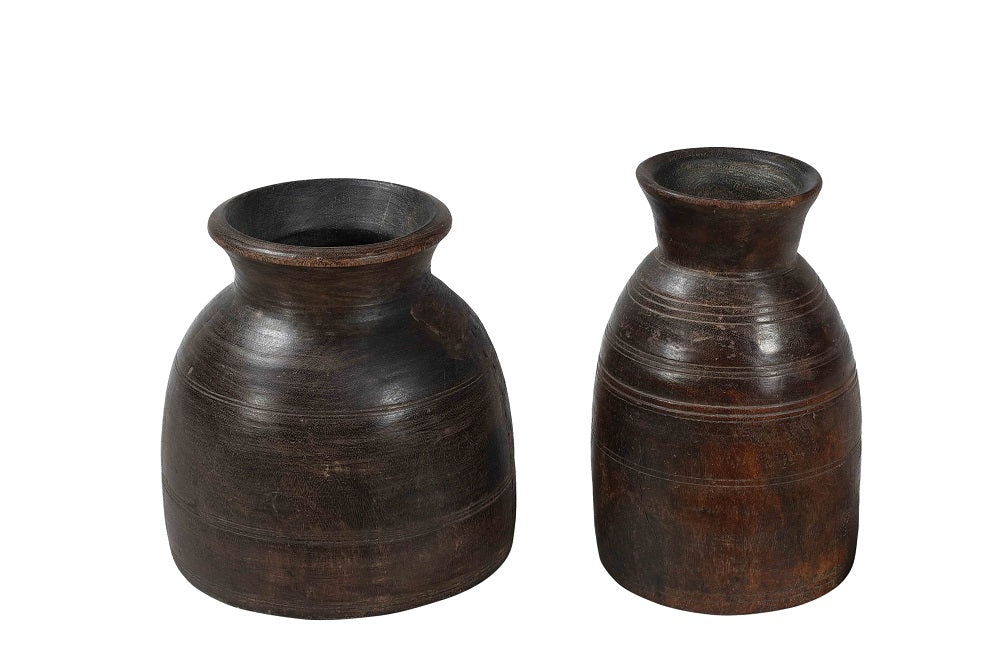Old wooden pot//Pot ancien en bois