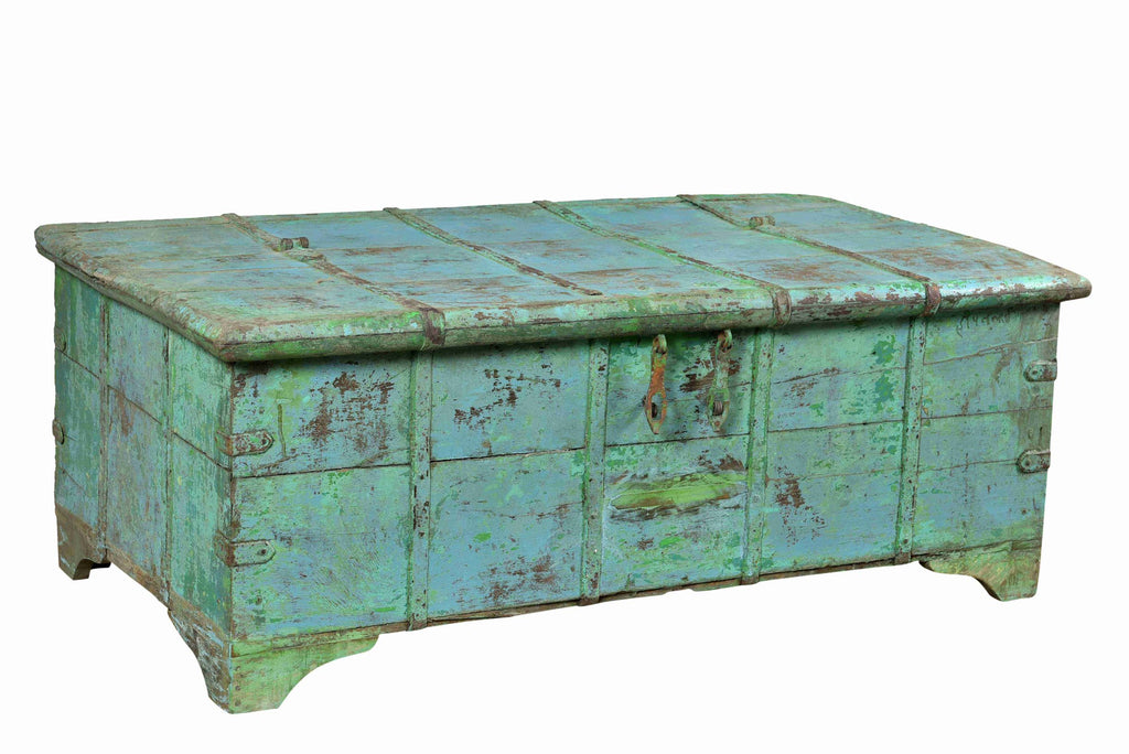 [[Turquoise vintage chest///Vintage turquoise chest]]