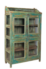 Wonders of the past: Green glass cabinet//Merveilles du passé: Armoire en verre verte