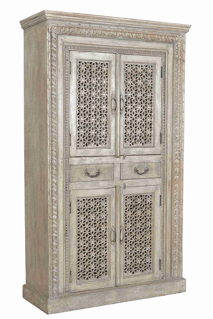 Palace Life: Antique white hand carved cabinet//Palace life: Armoire vintage