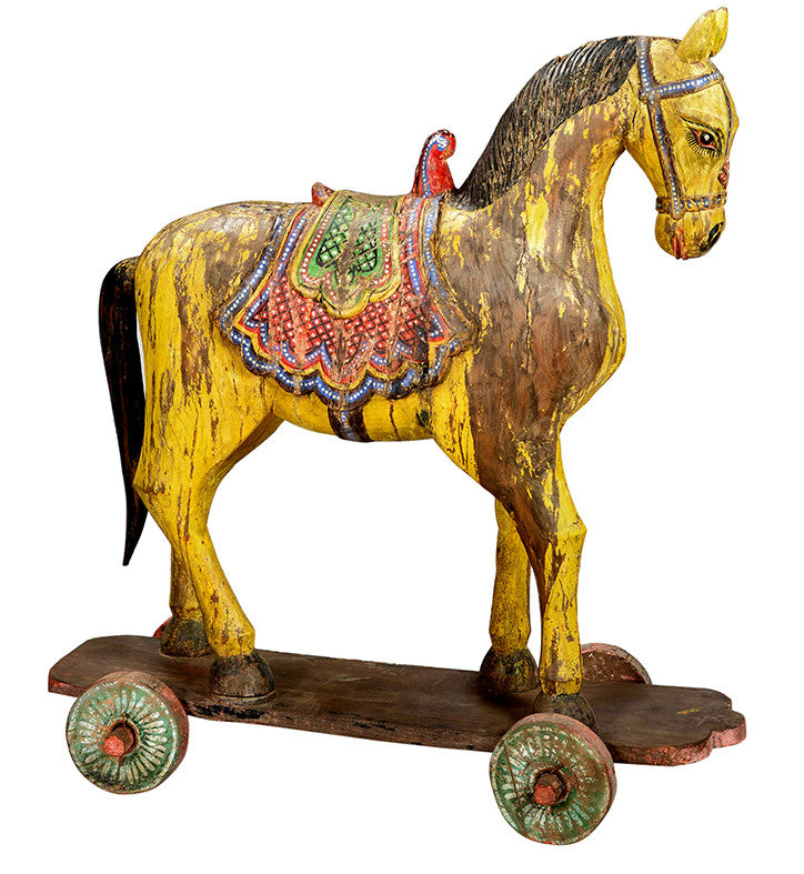 Yellow Horse on Wheels//Cheval jaune sur roues