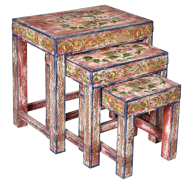 Wooden Painted Stool//Tabouret en bois peint