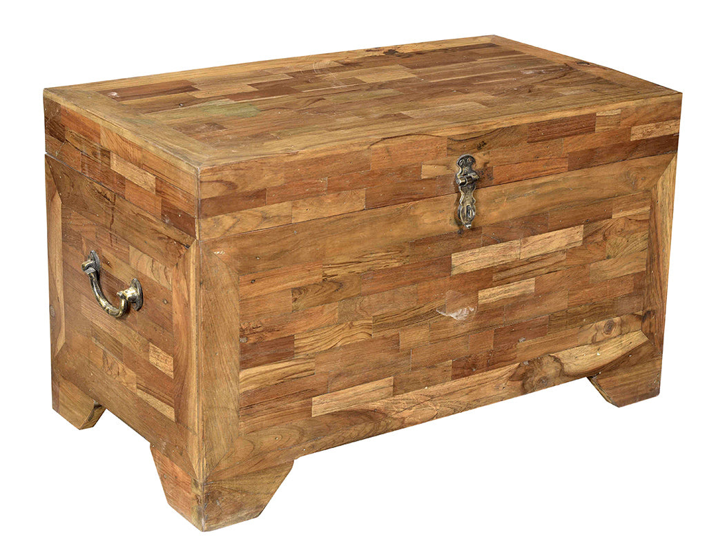 Wooden Chest//Coffre en bois