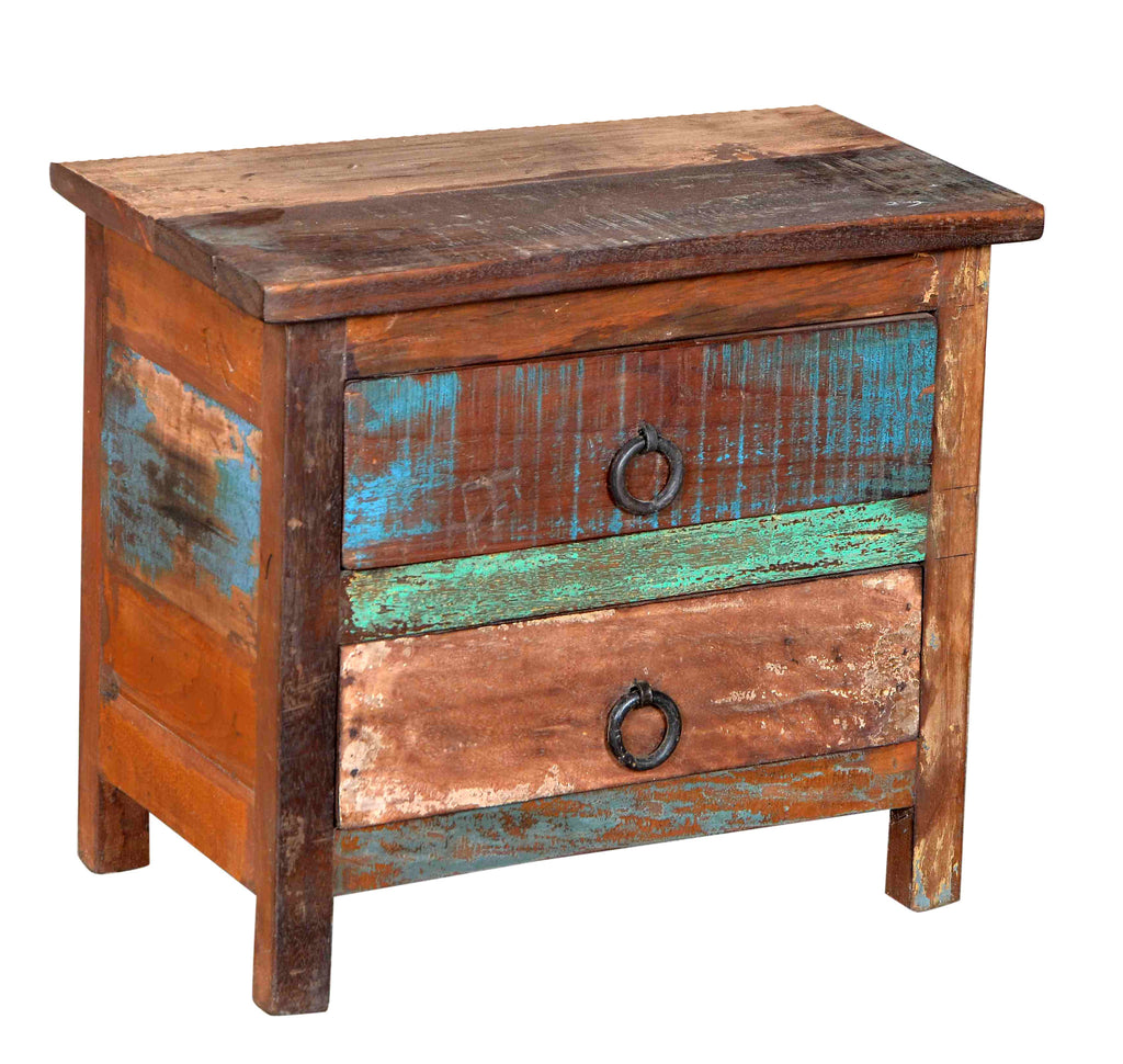 Reclaimed wood side table//Petite commode en bois recyclé