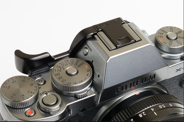 X-T2 Graphite camera with black thumbrest