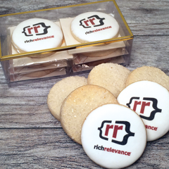 2 Logo Cookies with 4 Shortbreads Gift Box