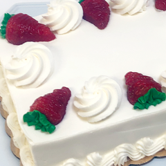Fresh Strawberry Classic Cake
