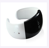 Smart Watch Wearable Technology with Bluetooth 3.0 - white