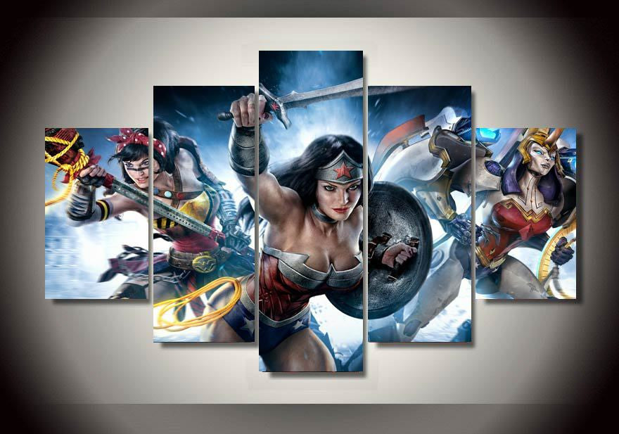 Canvas print featuring Wonder Woman and her band of lovelies, 5 panels