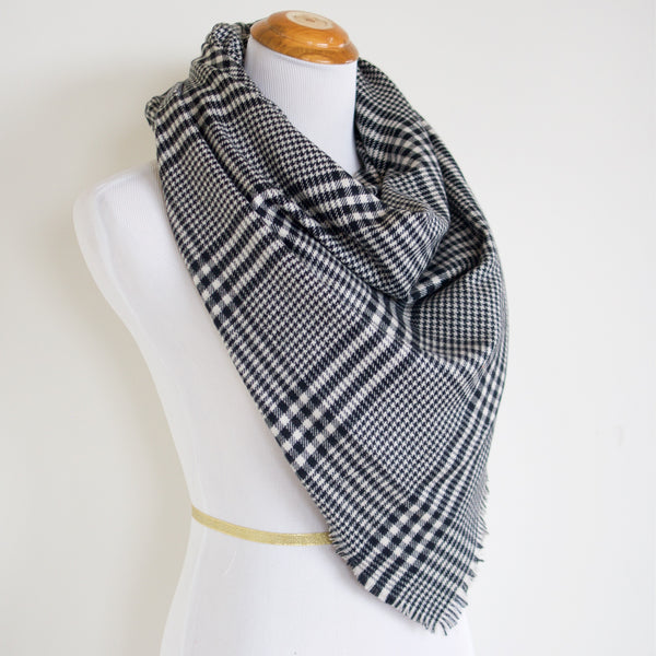 White and Black Houndstooth Blanket Scarf