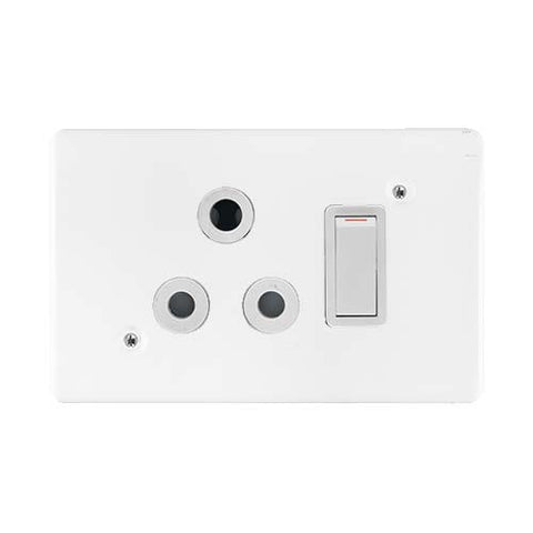 Crabtree - Classic Single Switched Socket - Horizontal - 6896H+6546H/101