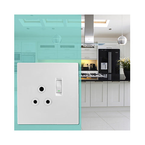 Crabtree - Topaz Single Switched Monoblock Socket - 15221/601