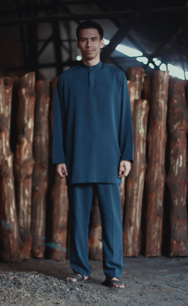 Ibni Cekak Musang Top in Midnight Blue