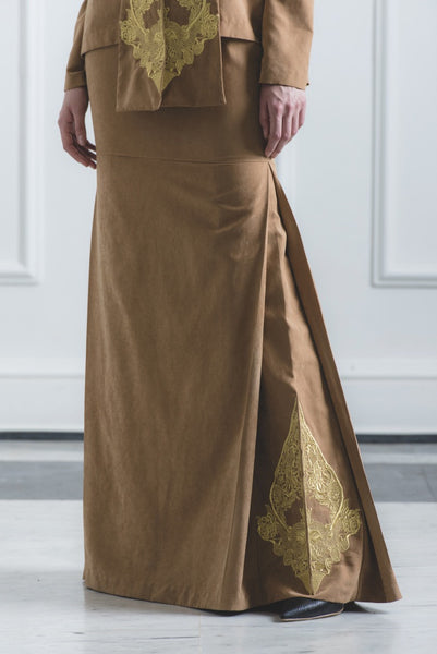 CHE' MAS Mermaid Skirt with Gold-embroidery at side-pleat in Brown