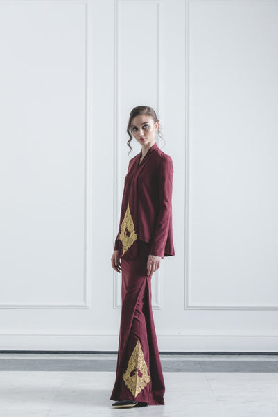 CHE' MAS Kebaya-cut Top with attached Gold-embroidery Sash in Maroon