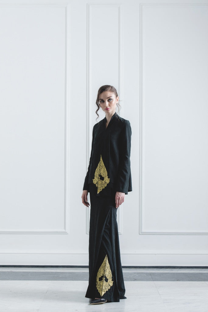 CHE' MAS Kebaya-cut Top with attached Gold-embroidery Sash in Black