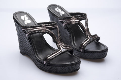 Charcoal Python Look Wedges