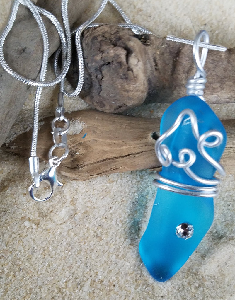 BEAUTIFUL BLUE *SEA GLASS PENDANT W/. 925 SILVER CHAIN