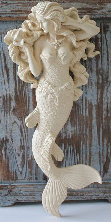BEAUTIFUL LARGE FLOWING HAIR MERMAID - Starfish Necklace Hanging Wall Sculpture