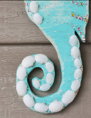 BEAUTIFUL OOAK SEAHORSE W/SHELLS & SWAROVSKI CRYSTALS!