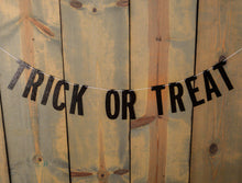 HALLOWEEN:  Trick or Treat Banner - Glambanners - 1