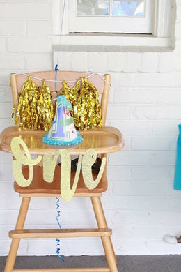 One High Chair Banner w/ cake topper