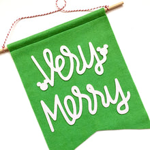 CHRISTMAS:  Very Merry Feltie Banner