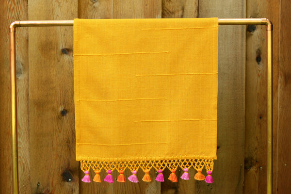 Joya Hand Towel with Mini Poms, Gold
