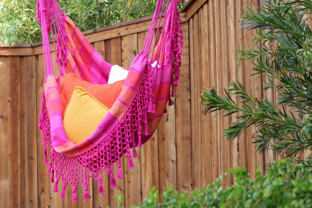 Luli Hanging Chair, Fuchsia
