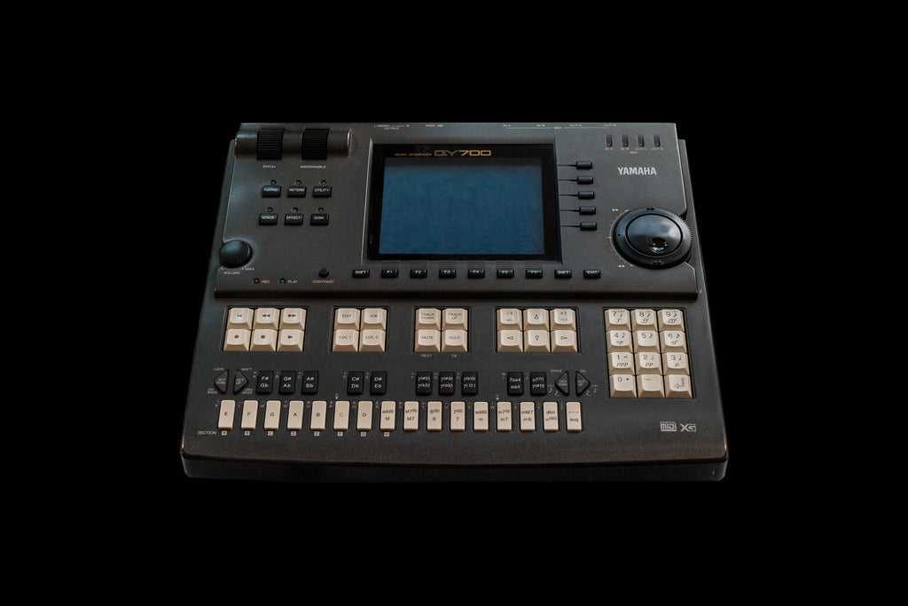 YAMAHA  QY700 SEQUENCER