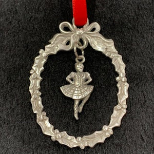 Pewter Christmas Ornament - Oval Wreath