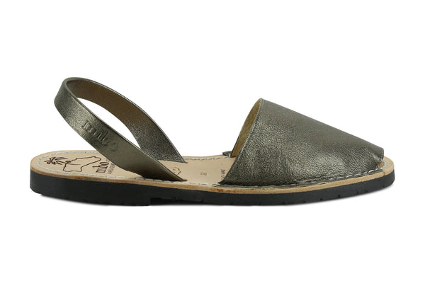 Mibo Avarcas Women's Metallic Silver Vintage Leather Slingback Sandals