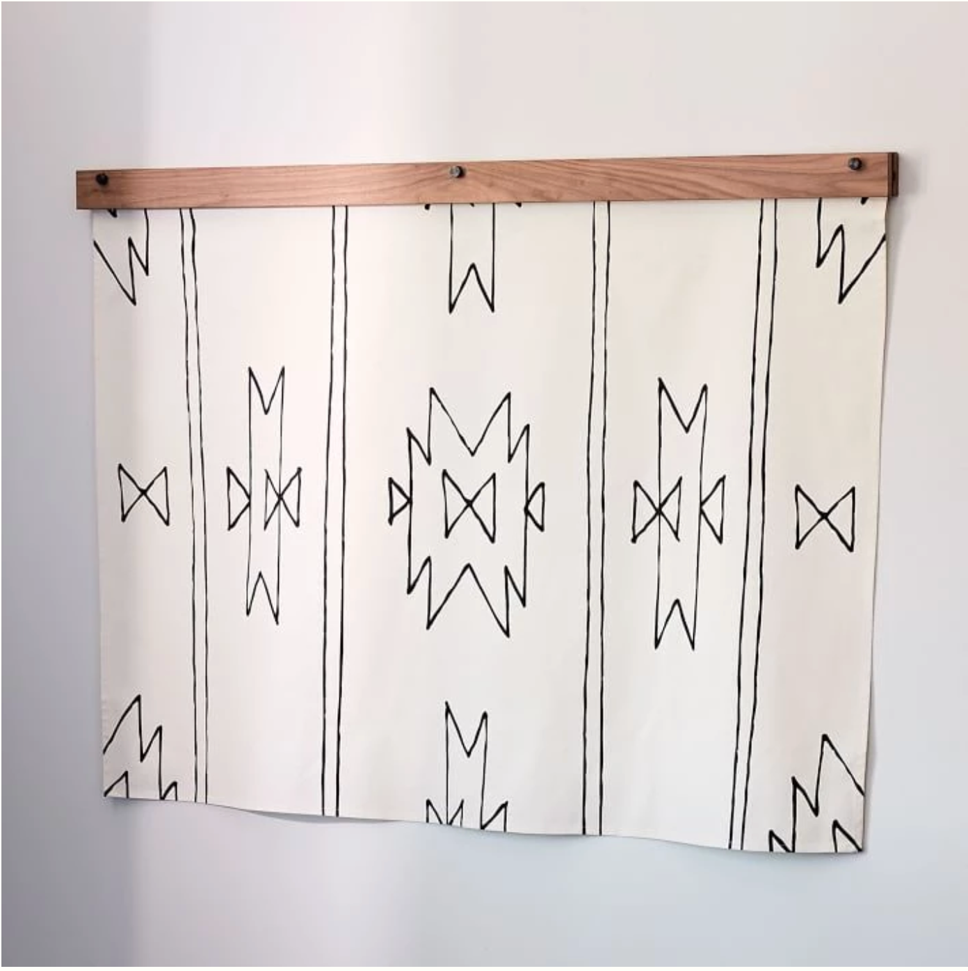 Wood Tapestry Hanger | Walnut (Brown)