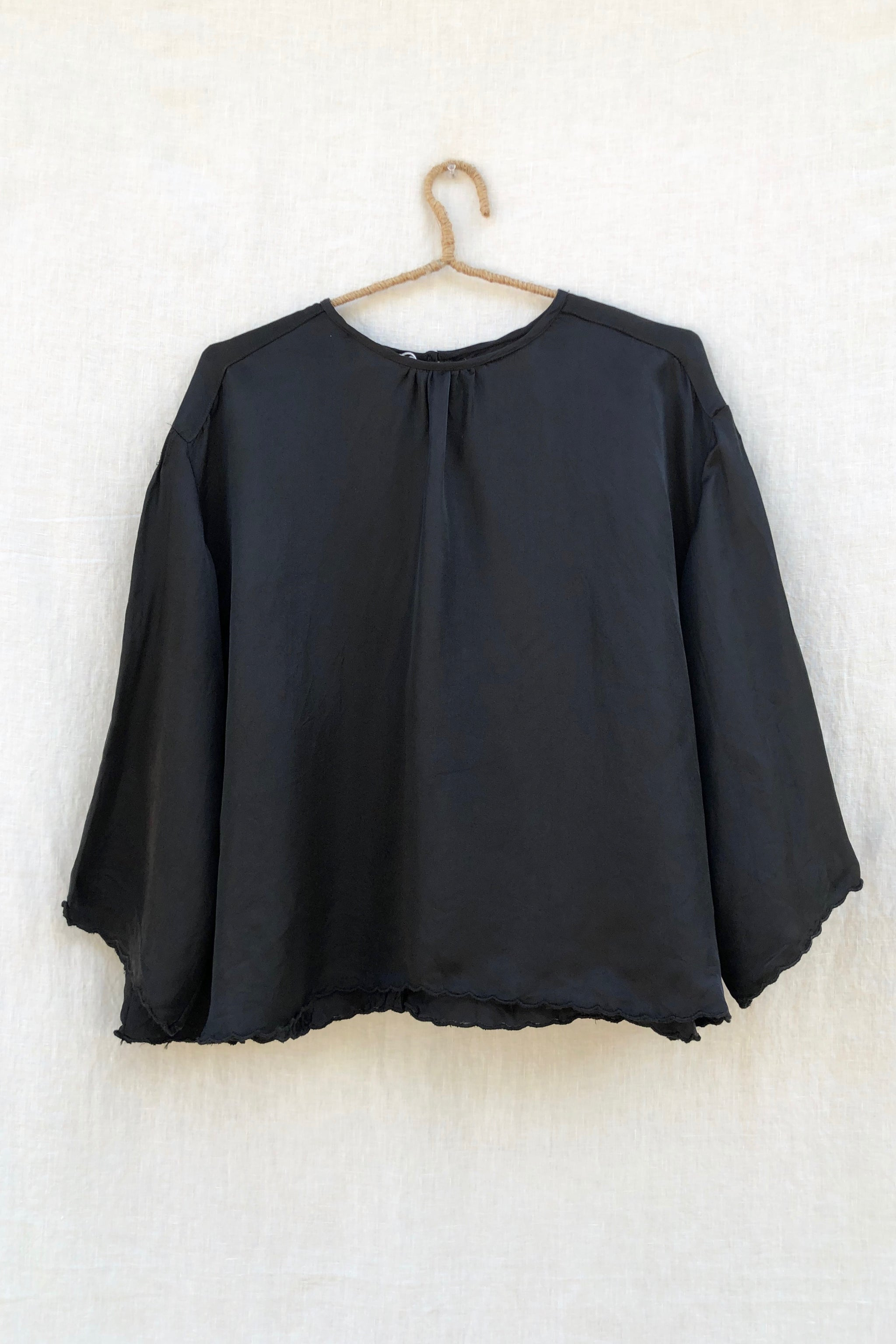 Scallop Blouse - Black