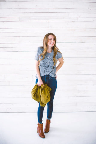 Finding Beautiful Truth Blogger in Basic Tee and Arcade Lariat Necklace