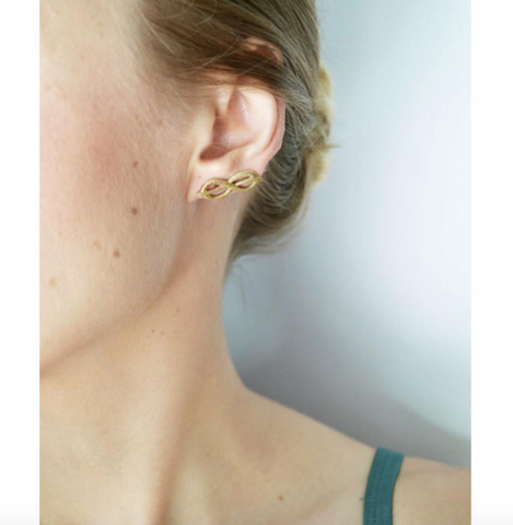 Palm Knot Ear Pin