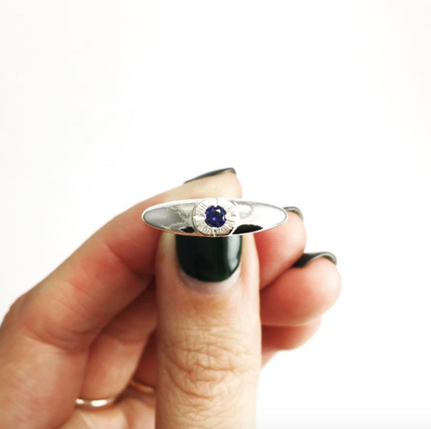 Bright Eye Ring with Sapphire