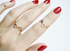 thin three gold spikes ring