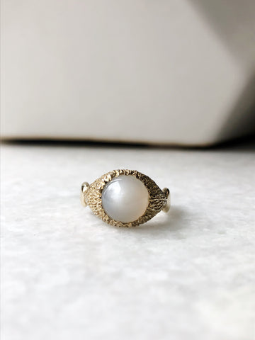 Serenity Ring - Moonstone in Yellow Brass - sz. 7.5