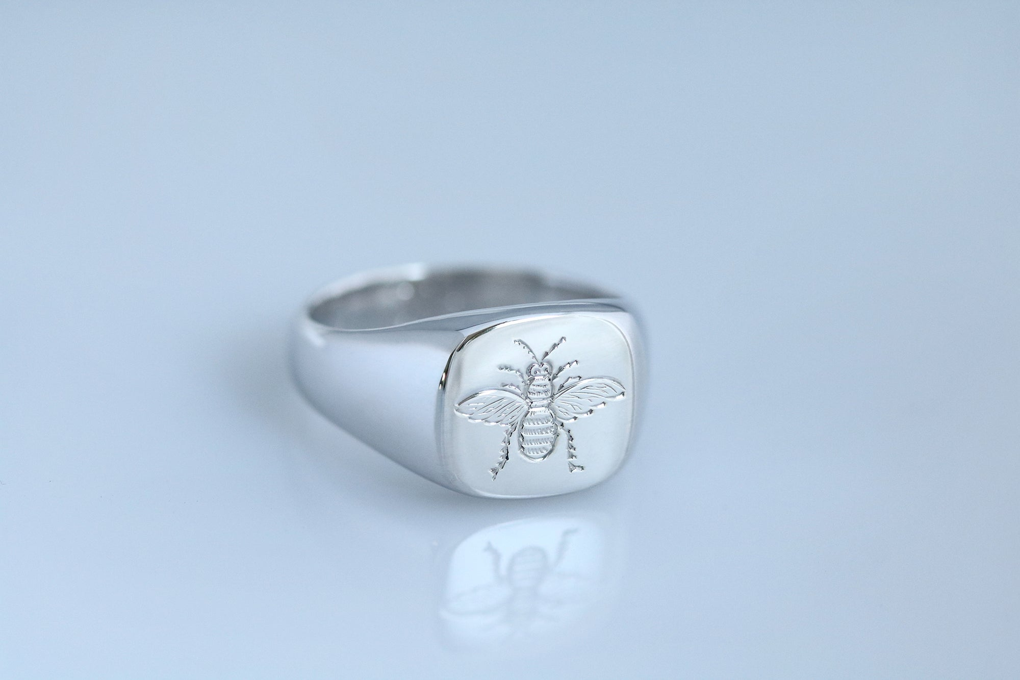 engraved bee signet ring