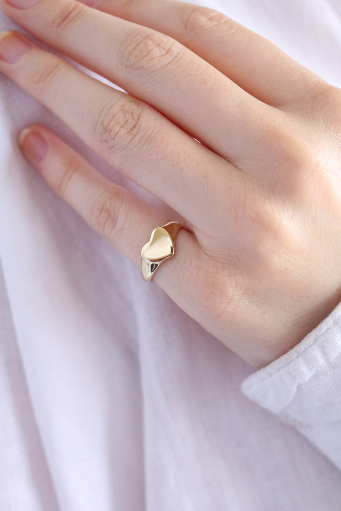 Baby Heart Signet Ring Yellow Gold
