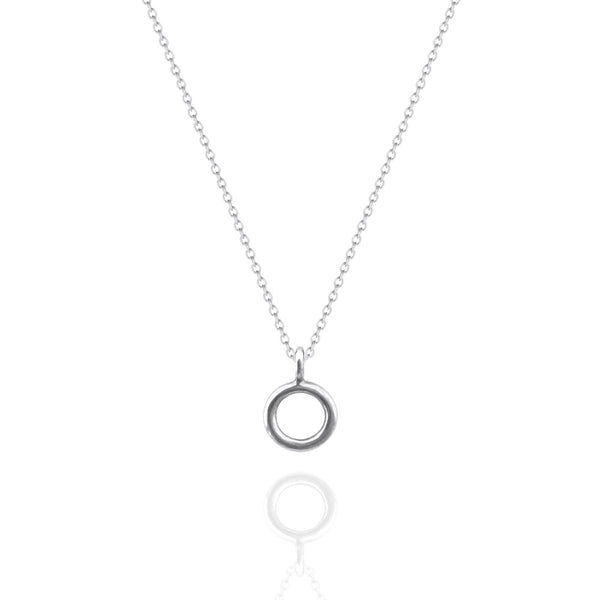 Fine Circle Necklace White Gold