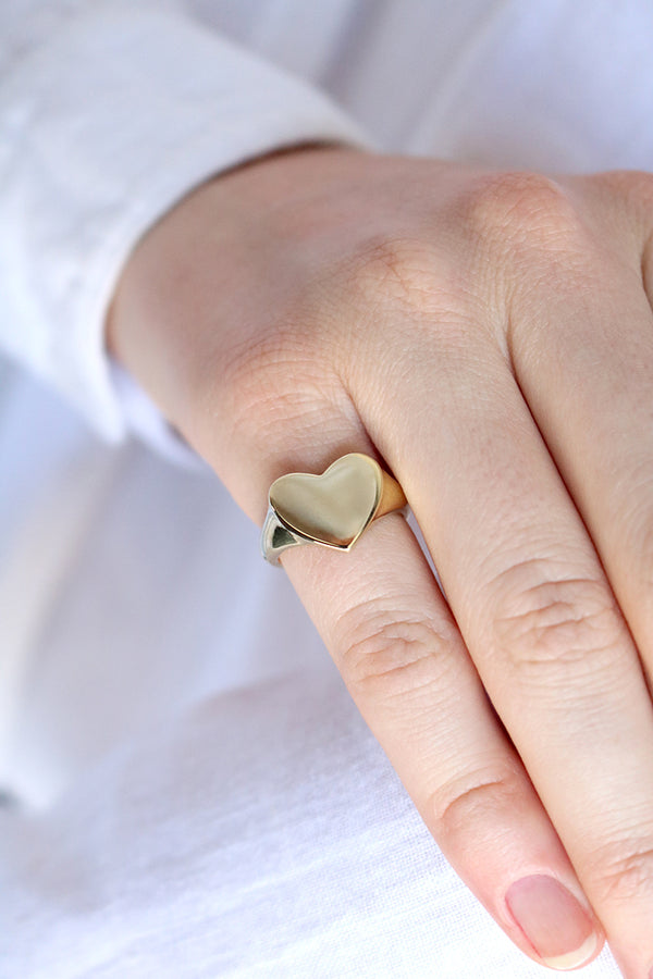 Heart Signet Ring Yellow Gold
