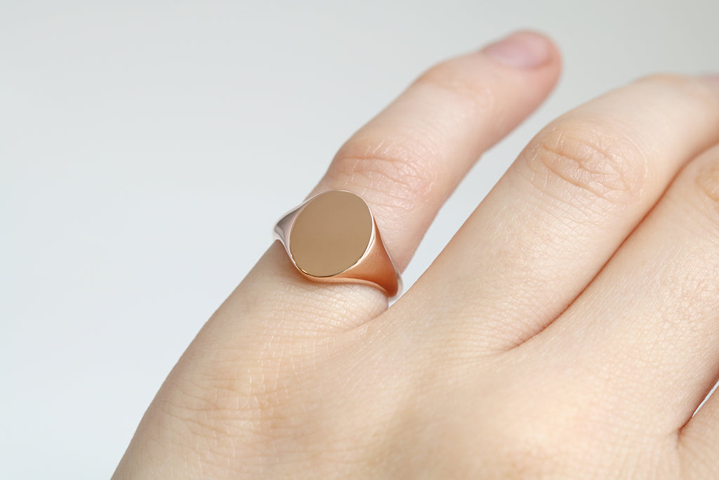 Oval Signet Ring Rose Gold
